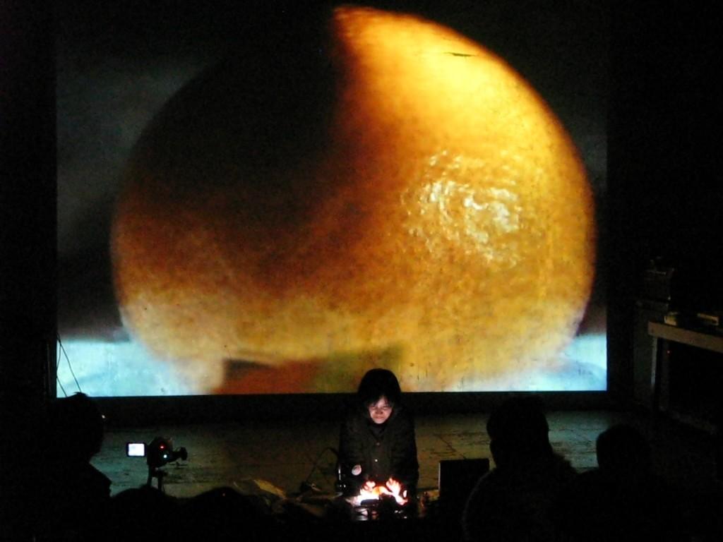 Mariko Tajiri (video performance)