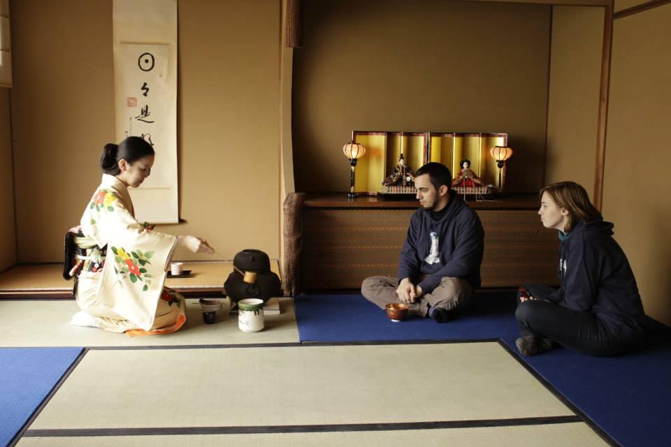 Traditional Tea Ceremony - Japanese Tea House Kyūgetsu