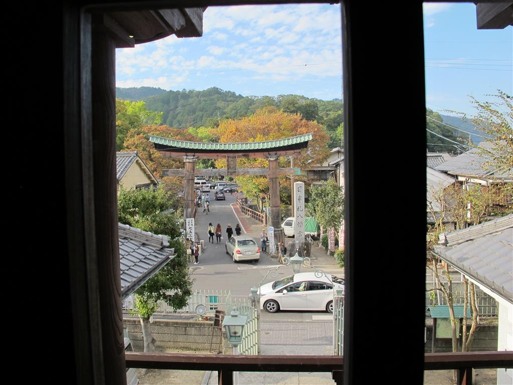 A view from Hakuunkan of the entrance to Himure Hachimangu Shrine.